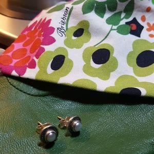 Silver/Pearl Button Earrings.